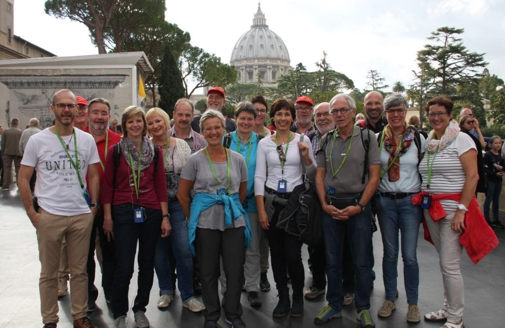 Gruppenbild vor Vatikan